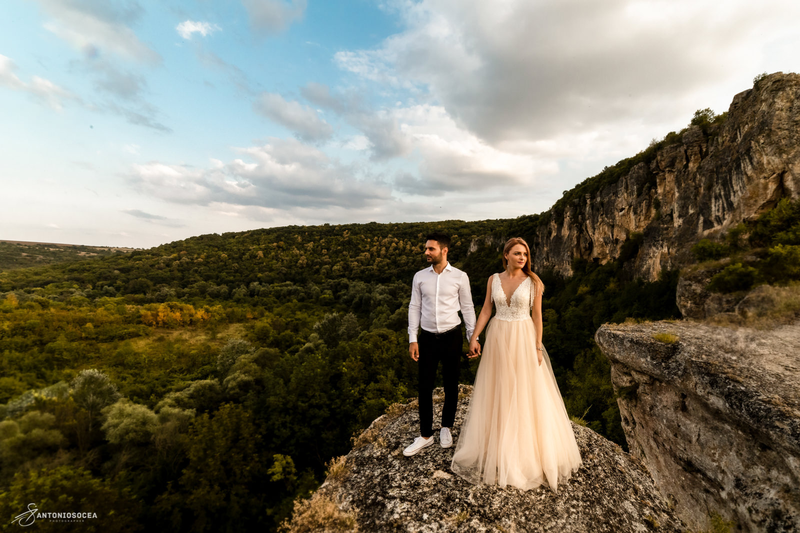 Fotograf Profesionist de nunta Bucuresti-sedinta foto Trash the dress-Sedinta foto After wedding
